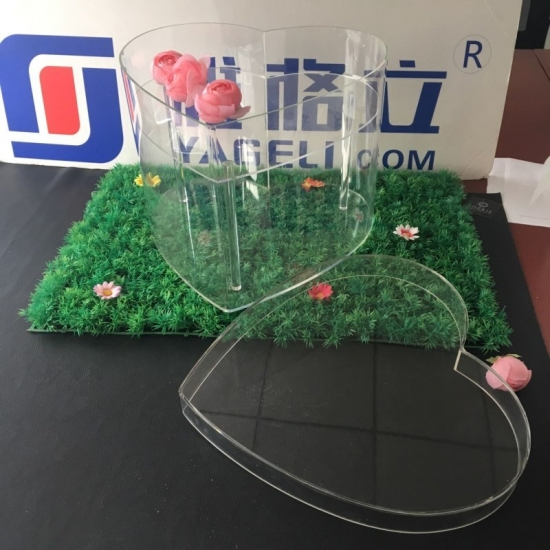 Factory Price Transparent Acrylic Heart Shaped Flower